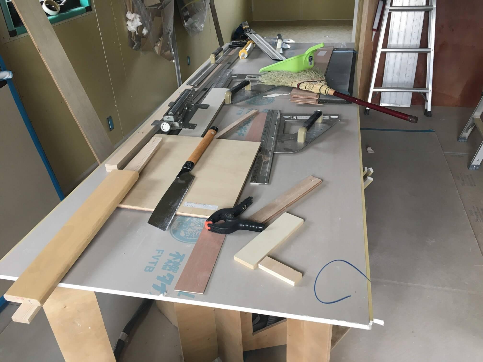 内装工事 作業台