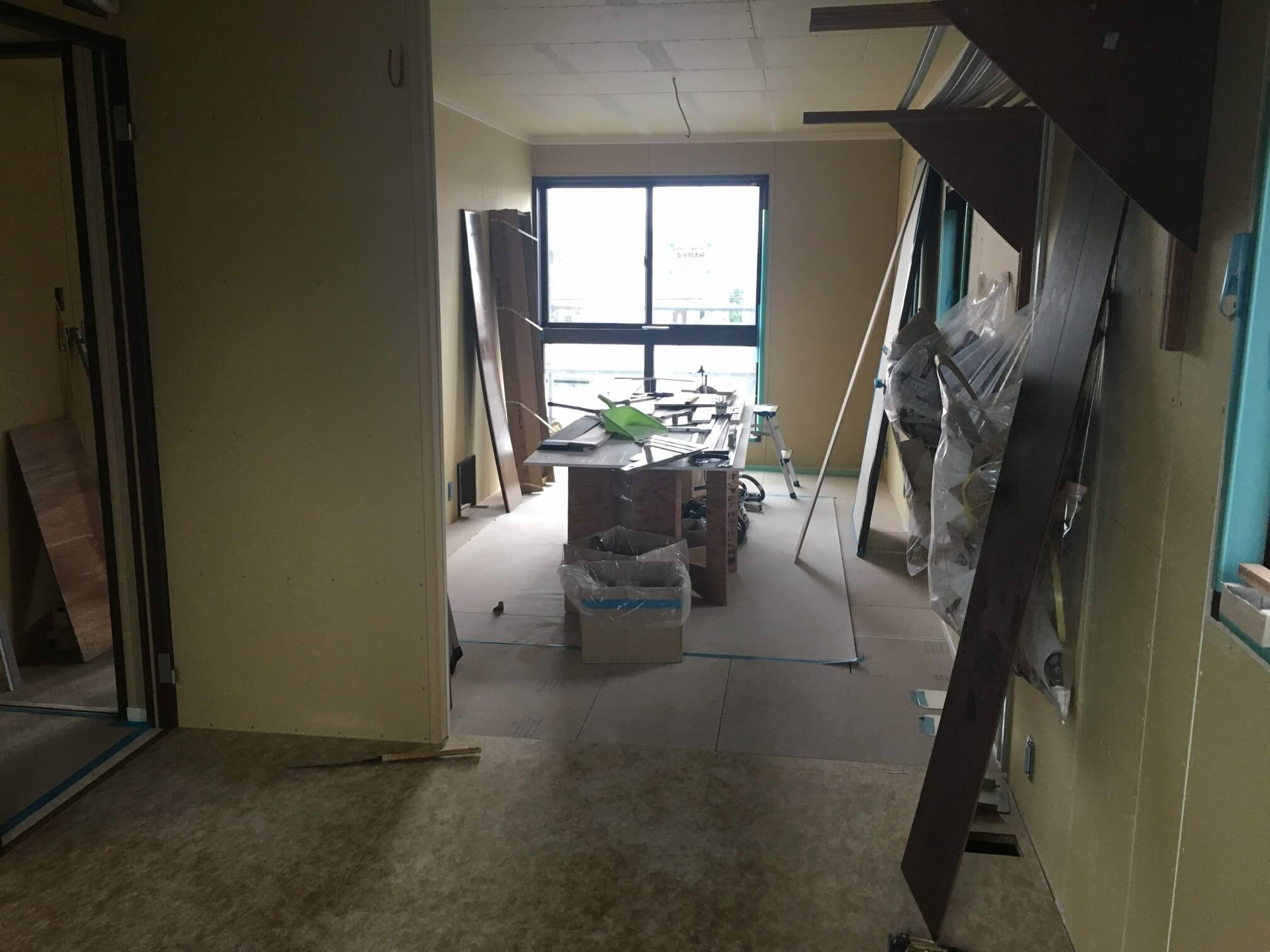 内装工事 寝室から見た猫部屋