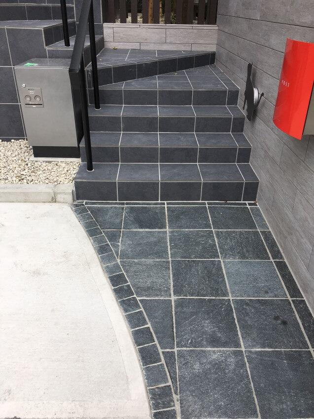 階段部分の石(実際)